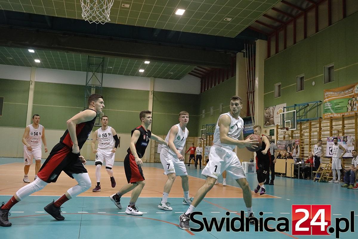 Dwa mecze z wrocławskimi drużynami